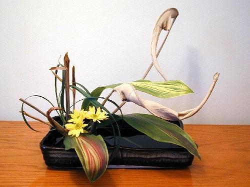 Ikebana1-37c58 9 loài Hoa màu tím ngẩn ngơ cho ngày chủ nhật